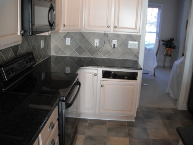 60 40 Sink Uba Tuba Granite Goes Great With White Cabinets