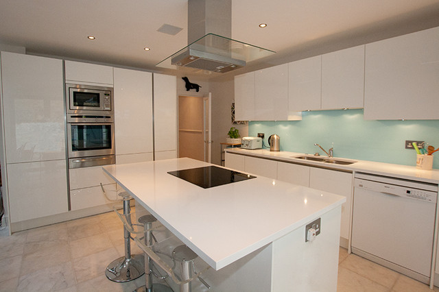 aqua kitchen splashback contemporary kitchen london lwk eat kitchen designs orange gloss kitchen designs contemporary