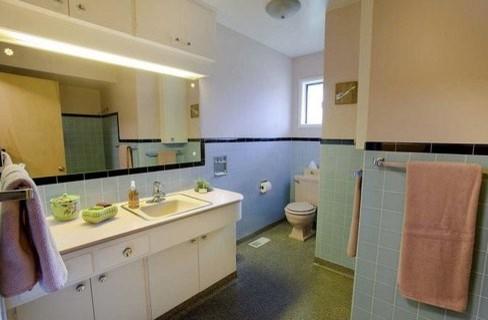 North Portland Mid Century - Bathroom