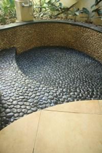Island Stone King Pebble Pool Medan Charcoal - Modern ...