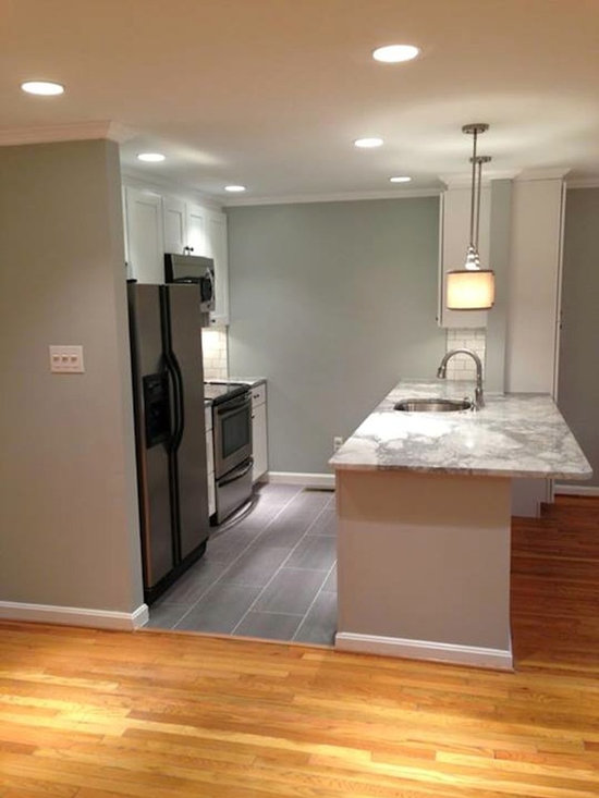 mid sized traditional eat kitchen design ideas remodels photos small traditional galley eat kitchen design photos medium