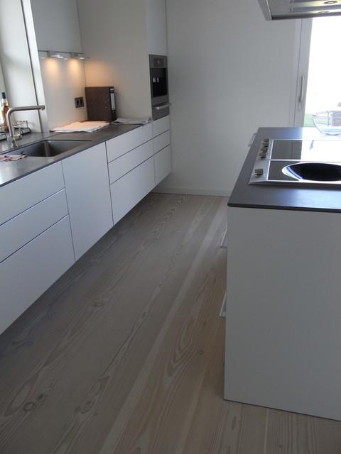 Dinesen Douglasie als Küchenboden - Scandinavian - Kitchen - danische massivholzmobel douglasie