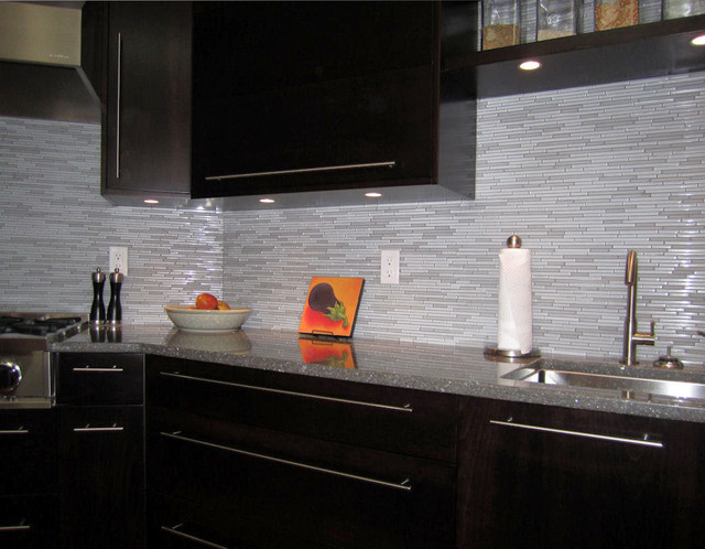 kitchen glass marble mosaic tile backsplash modern kitchen white countertop modern kitchen backsplash tile