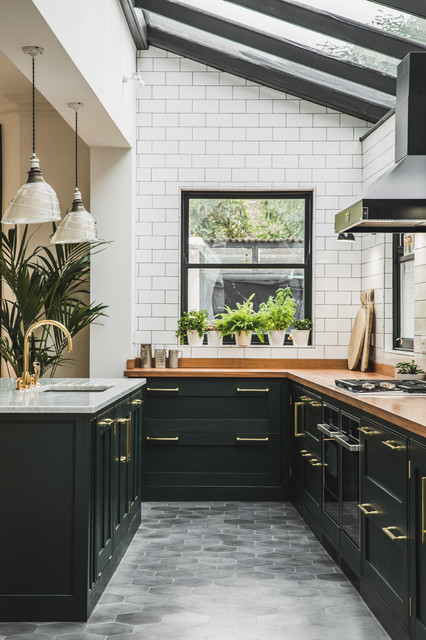 Ausgefallene Möbel Industrial Dark Green Kitchen With A Vintage Twist