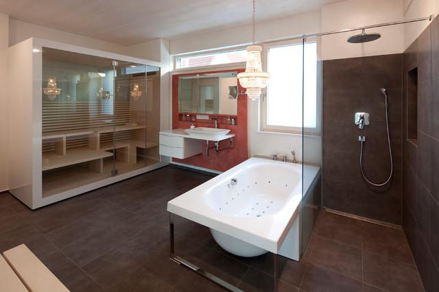 Modernes Wohnhaus mit offenem Grundriss - badezimmer mit sauna