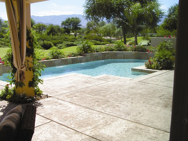 Hormigon Impreso Para Piscinas Luxury Swimming Pool With A Stamped Concrete Pool Deck.