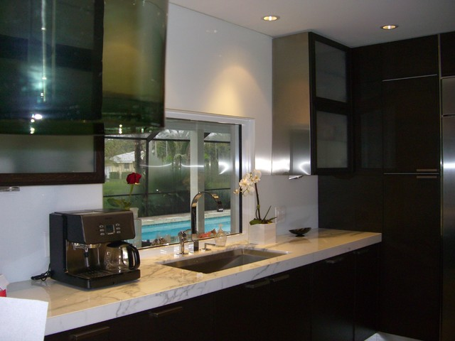 backsplashes contemporary kitchen miami artistry glass kitchen backsplash contemporary kitchen metro