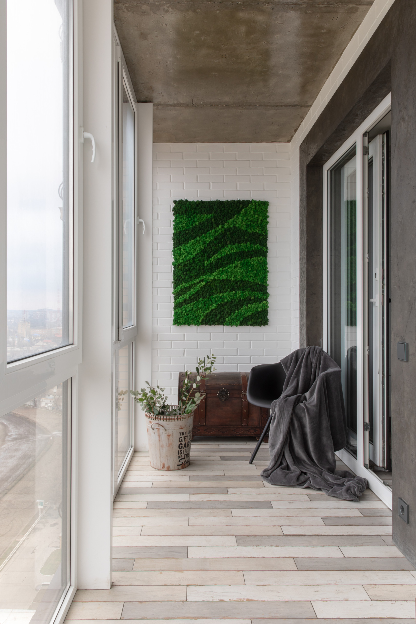75 Beautiful Vertical Balcony Garden With No Cover Pictures Ideas January 2021 Houzz