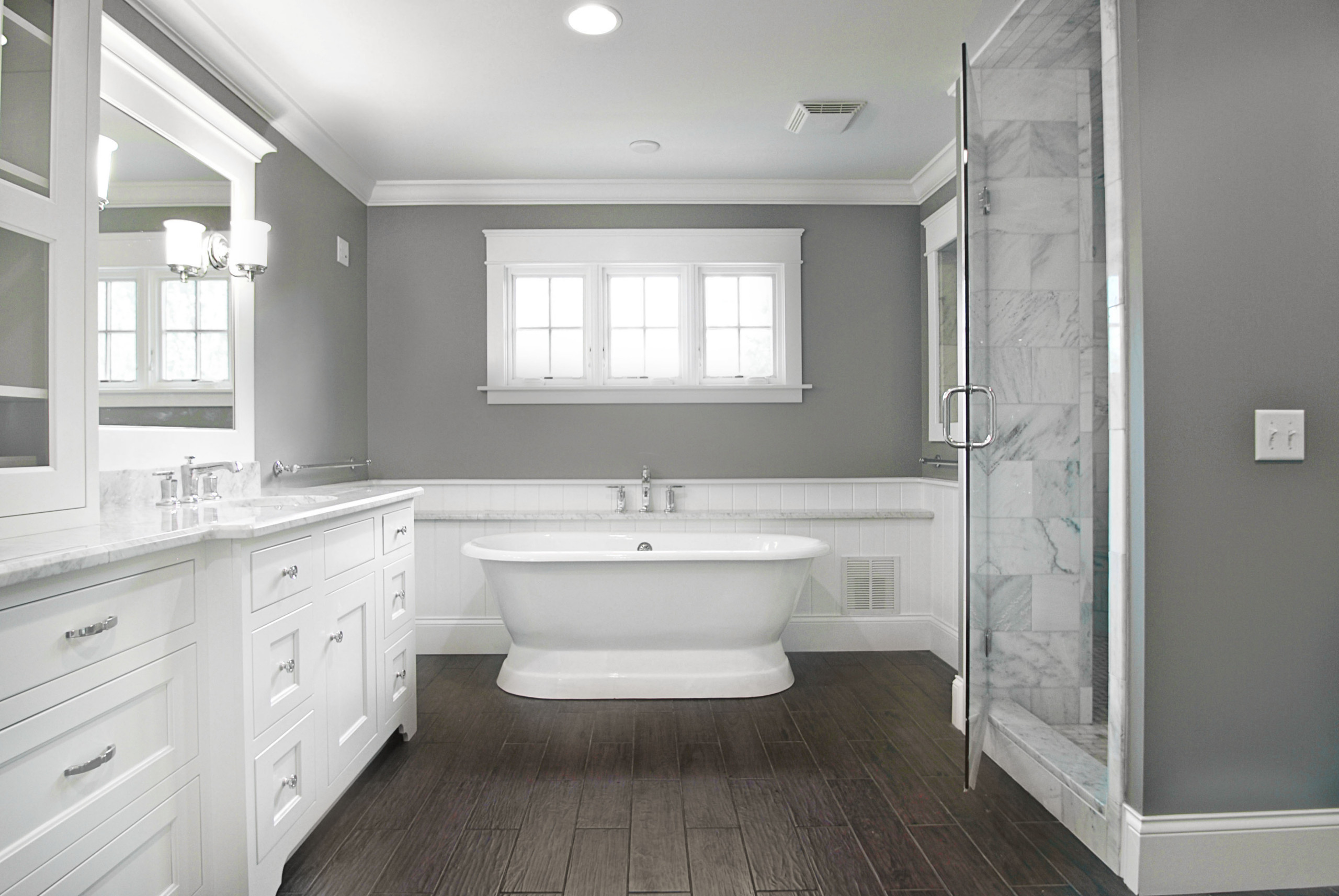 75 Beautiful Traditional Dark Wood Floor Bathroom Pictures Ideas November 2020 Houzz