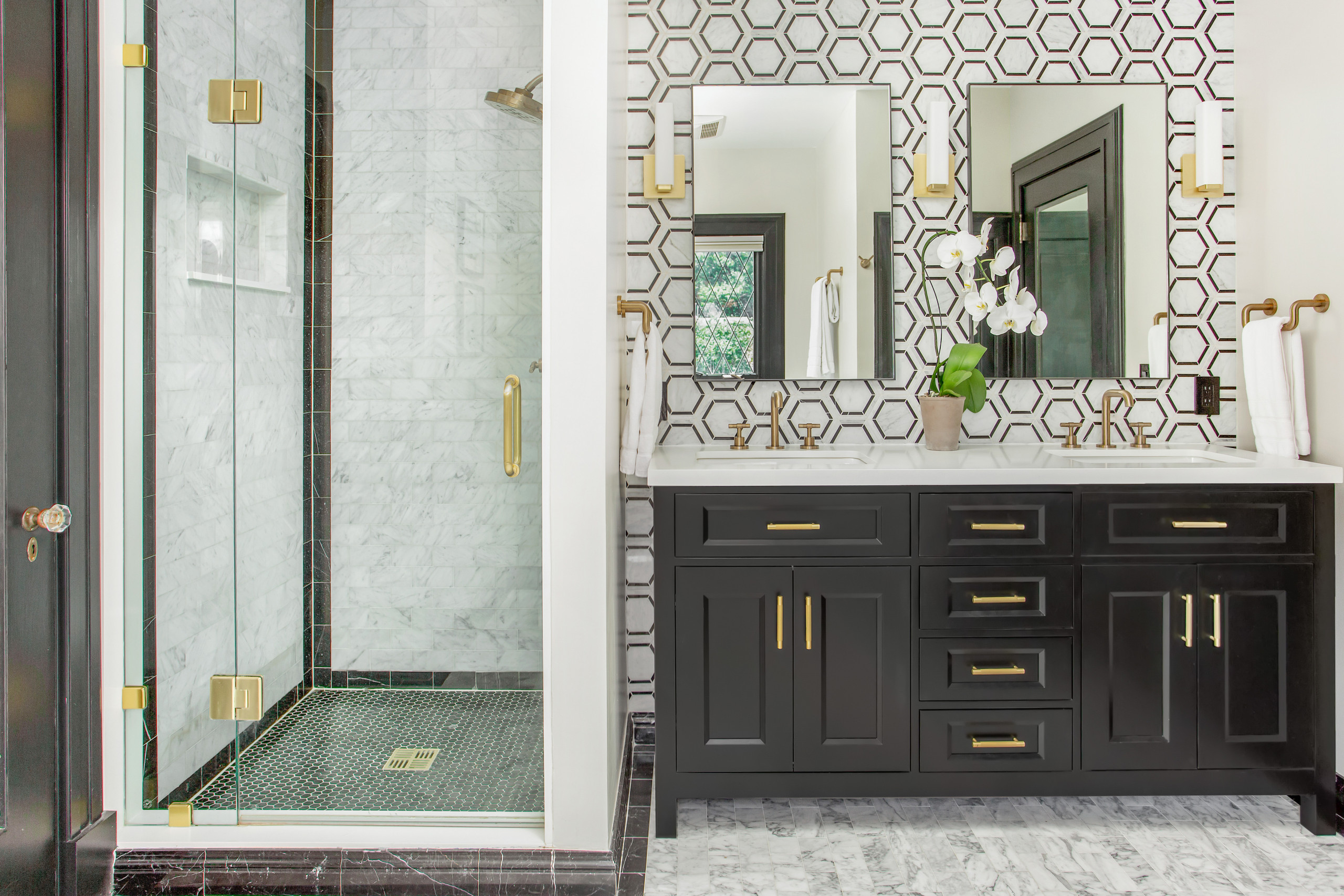 75 Beautiful Black And White Tile Bathroom Pictures Ideas November 2020 Houzz