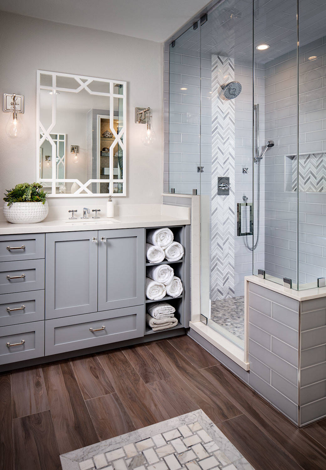 75 Beautiful Medium Tone Wood Floor Bathroom Pictures Ideas November 2020 Houzz
