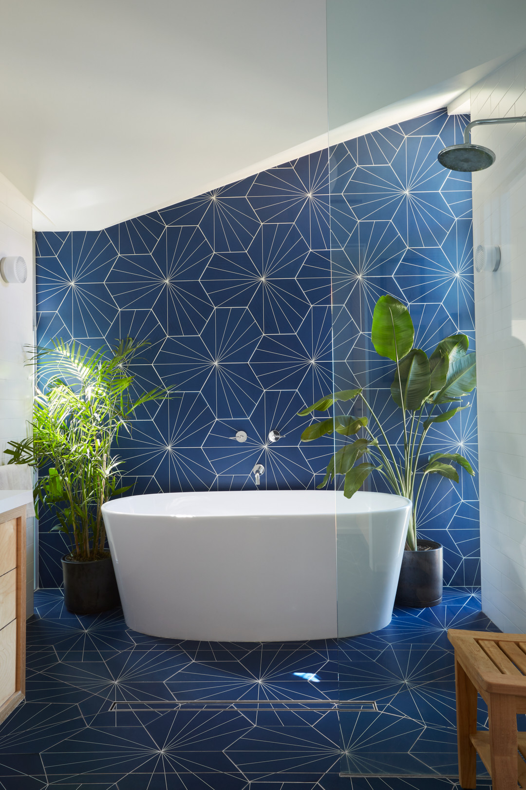 75 Beautiful Blue Tile Bathroom Pictures Ideas November 2020 Houzz