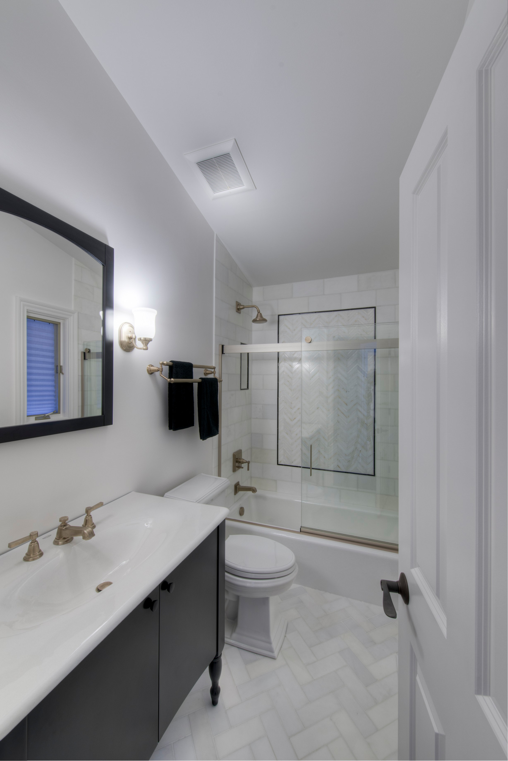 75 Beautiful Traditional Bathroom Pictures Ideas April 2021 Houzz