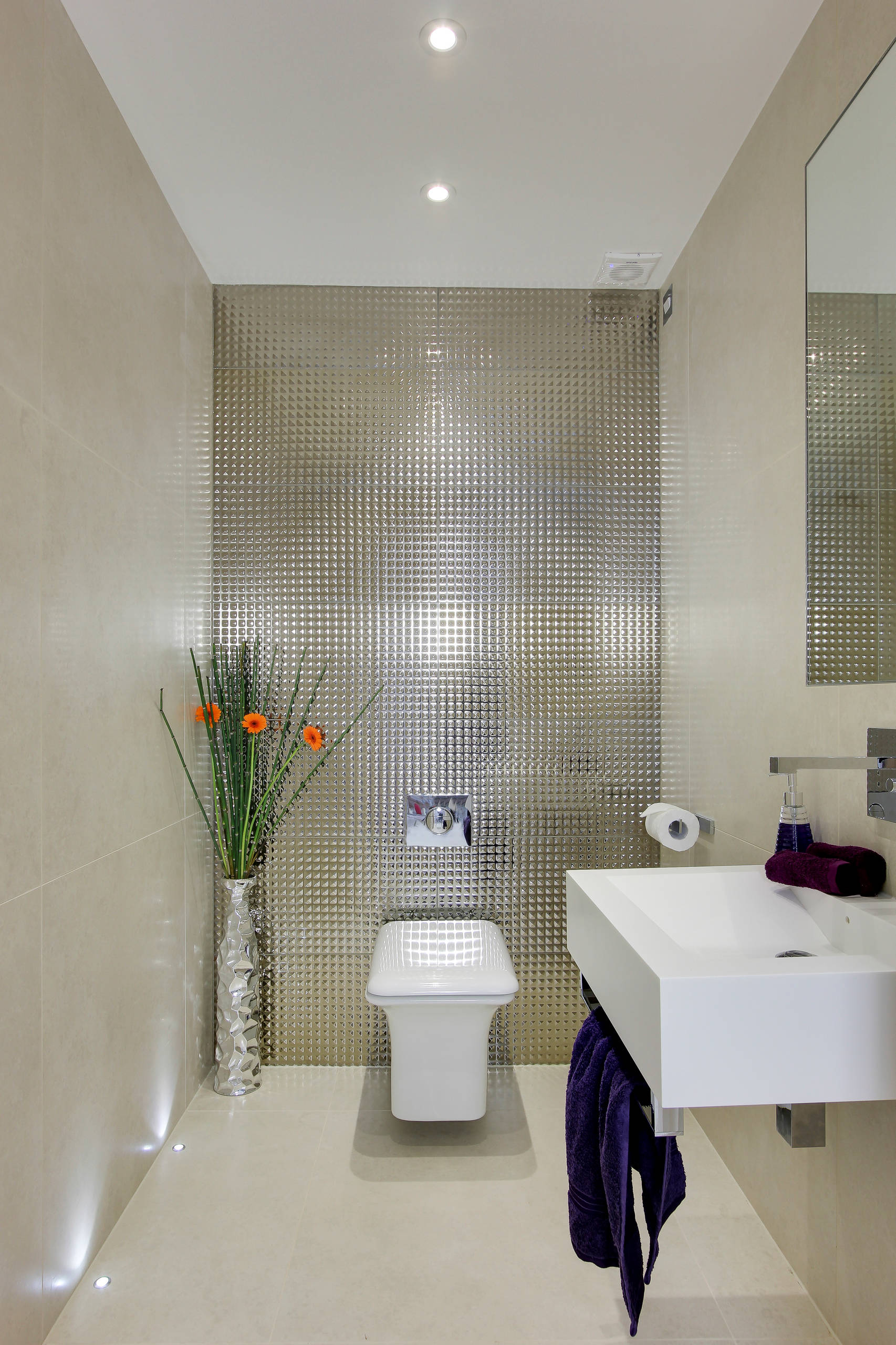 Gästetoilette Modern Bibliotheque Project - Modern Country Home, Herts - Contemporary - Cloakroom - Hertfordshire | Houzz Uk
