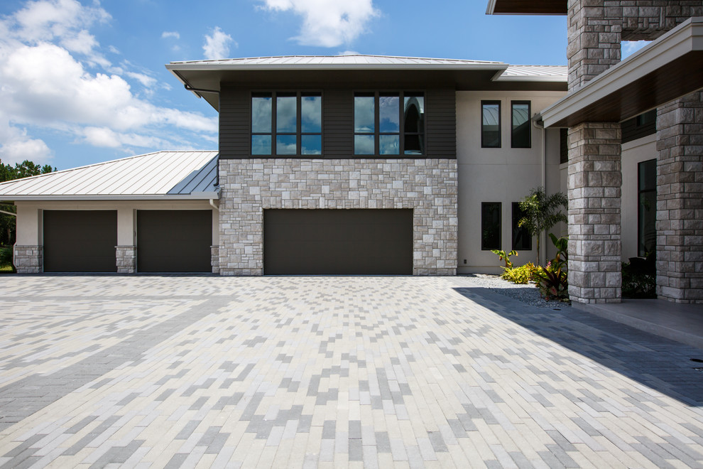 Brakeground Contemporary Garage Jacksonville By