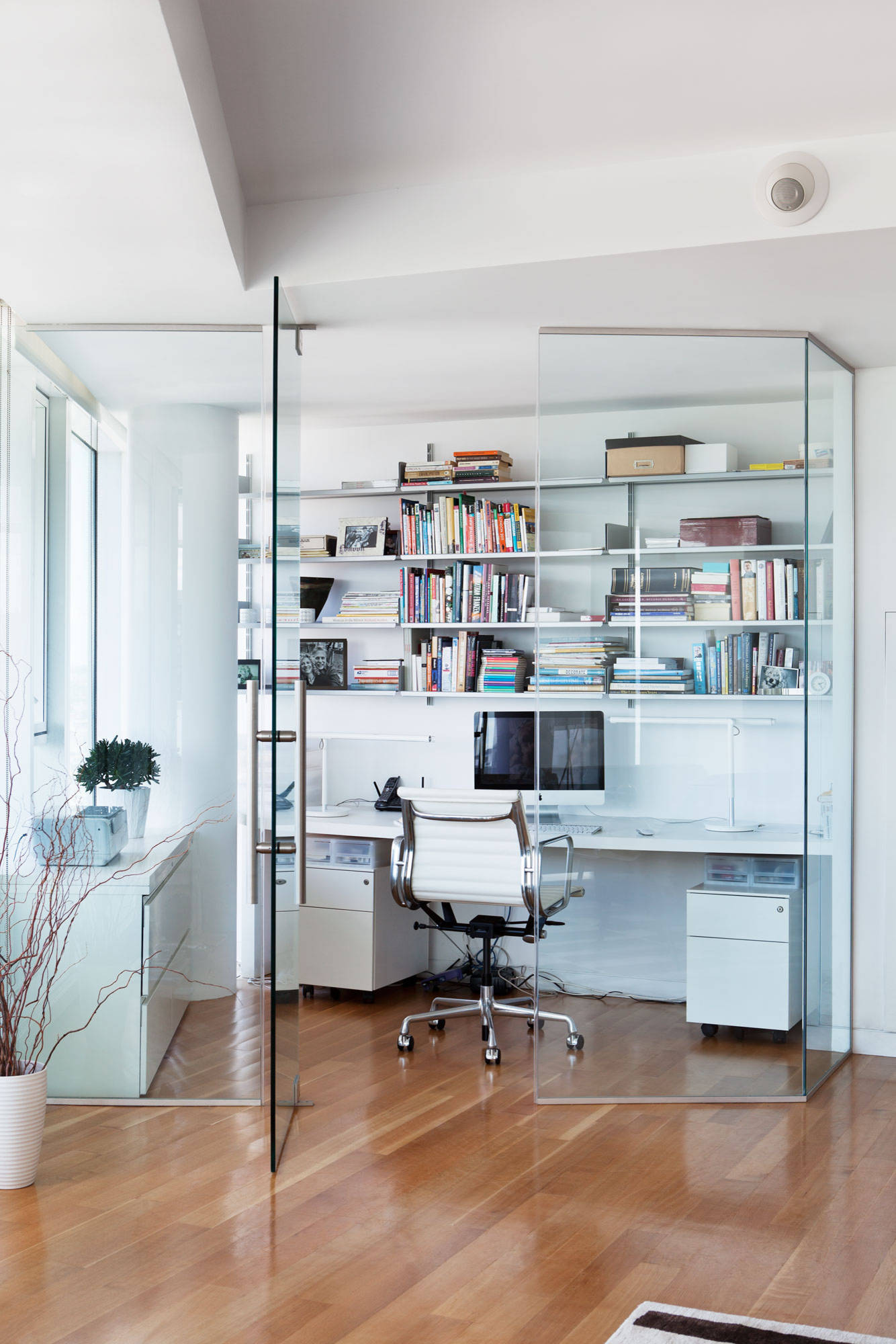 8 Modern Ideas For A More Marvellous Home Office Houzz Uk