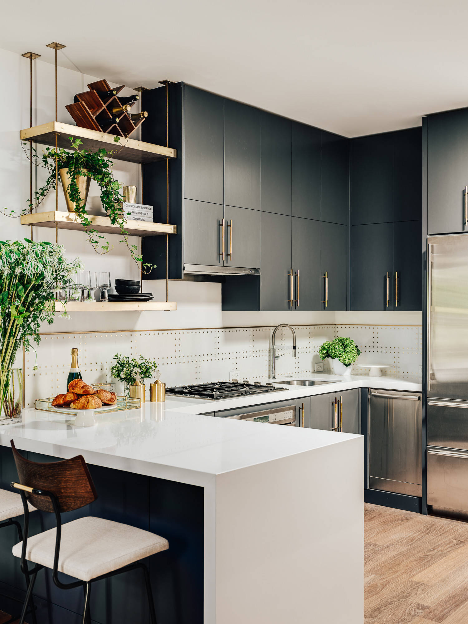 75 Beautiful Kitchen With A Peninsula Pictures Ideas May 2021 Houzz