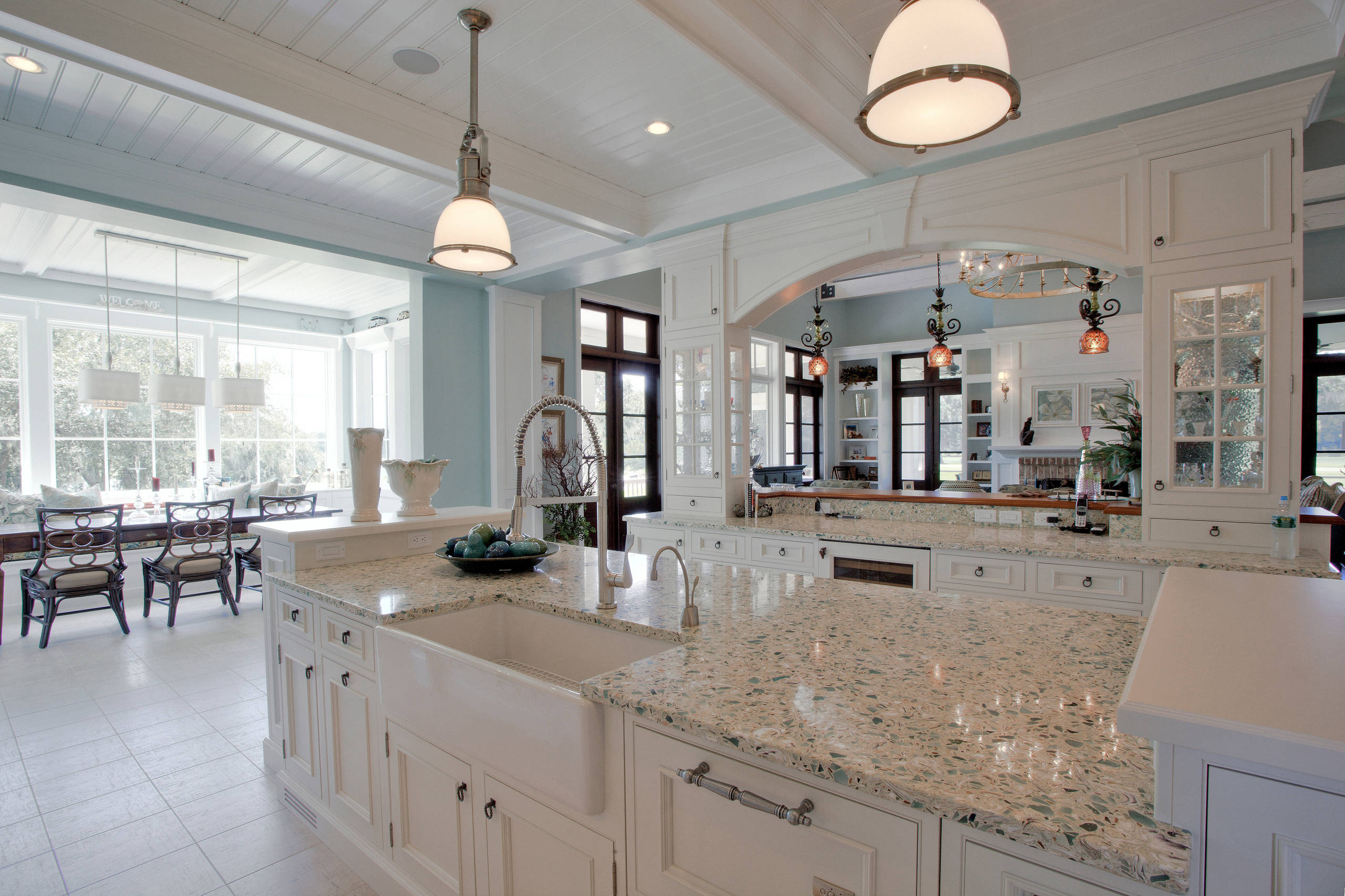 75 Beautiful Kitchen With Recycled Glass Countertops And Paneled Appliances Pictures Ideas September 2020 Houzz