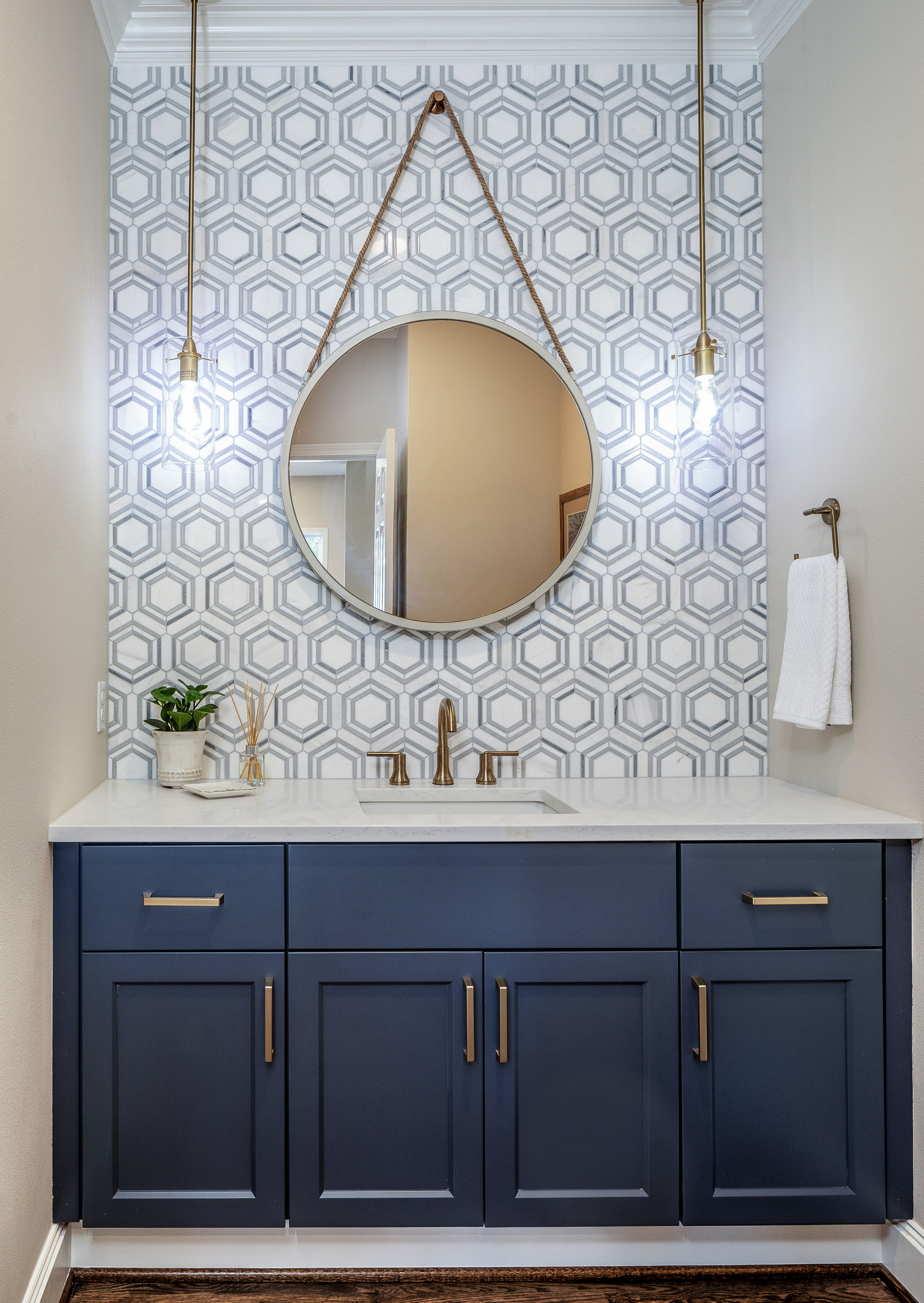75 Beautiful Small Powder Room Pictures Ideas Houzz
