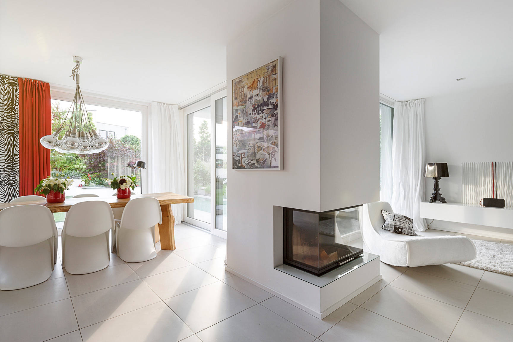 75 Beautiful Large Family Room With A Corner Fireplace Pictures Ideas March 2021 Houzz