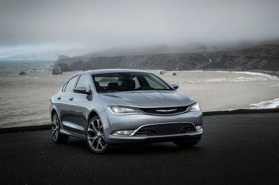 Chrysler 200 Reviews: Research New & Used Models | Motor Trend
