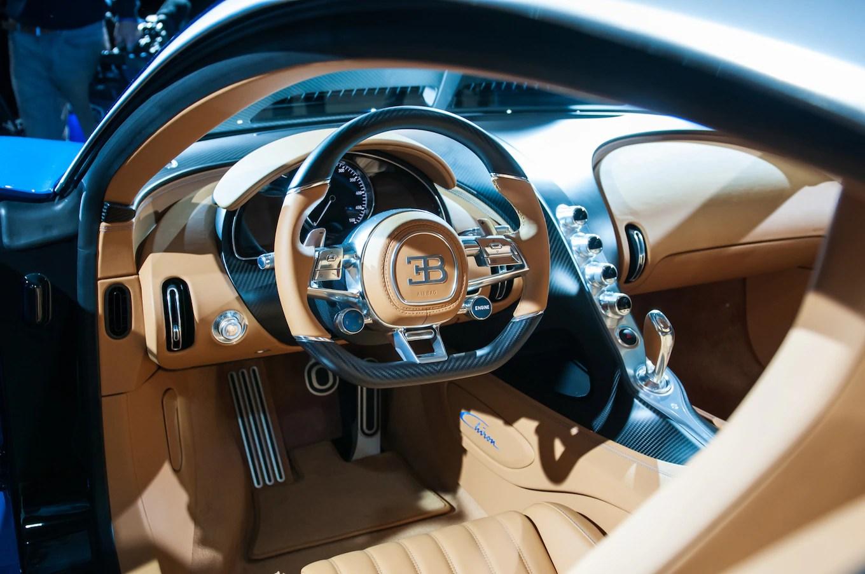 8 Million Dollar Car Wallpapers 2017 Bugatti Chiron Interior View 04 Motortrend