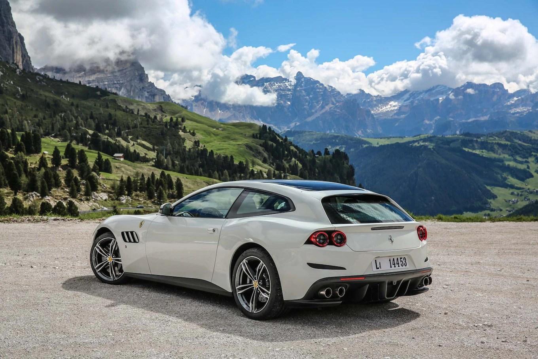 Car Fire Wallpaper 2017 Ferrari Gtc4lusso First Drive Review Motor Trend