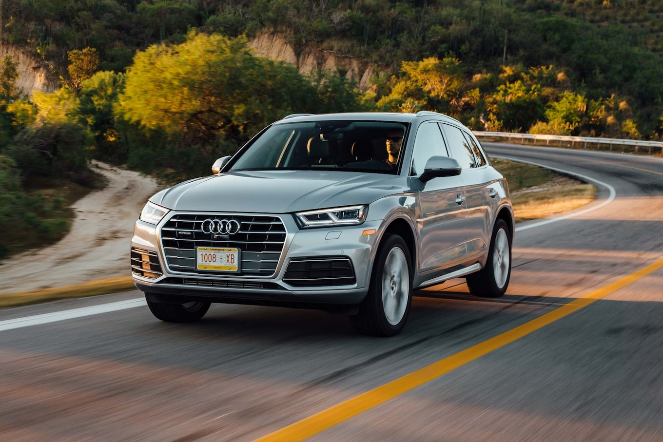Garage Audi Tours 2018 Audi Q5 U S Spec Review Taller And Stronger Motortrend