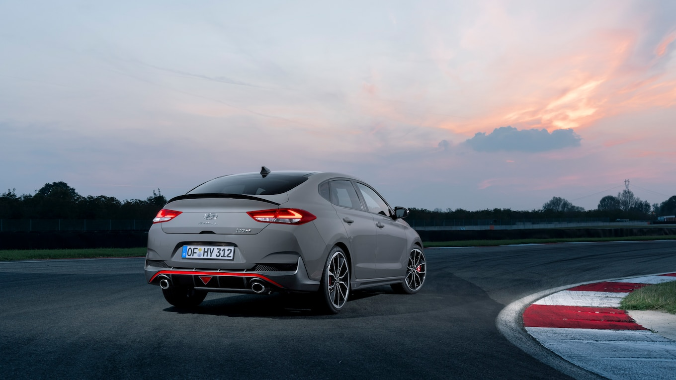 Garage Auto Paris Hyundai I30 Fastback N Revealed Ahead Of Paris Motor Show Motortrend