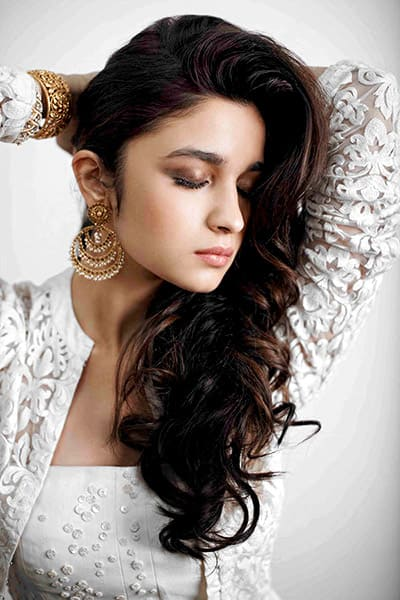 Cute Girl Babies Wallpapers For Facebook Profile Alia Bhatt Goes Traditional During Photoshoot Portfolio