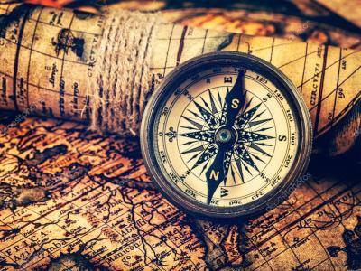 alte Vintage Kompass auf antike Karte — Stockfoto ...