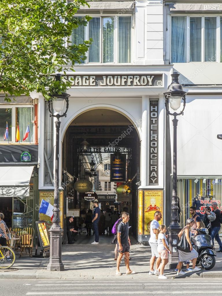 Soldes Paris 2016 Paris France On July 8 2016 Typical Urban View Entrance To
