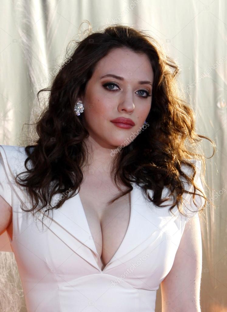 Girl Wallpaper Download Schauspielerin Kat Dennings Redaktionelles Stockfoto
