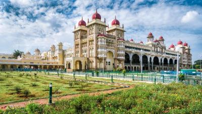 Mysore Palace em Mysore, Índia — Stock Photo © vlade-mir #116925416