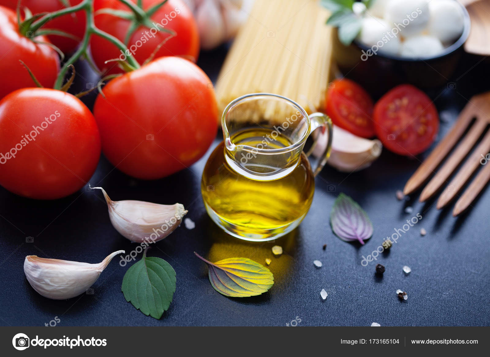 Cuisines Vial Vial With Olive Oil Stock Photo Matka Wariatka 173165104