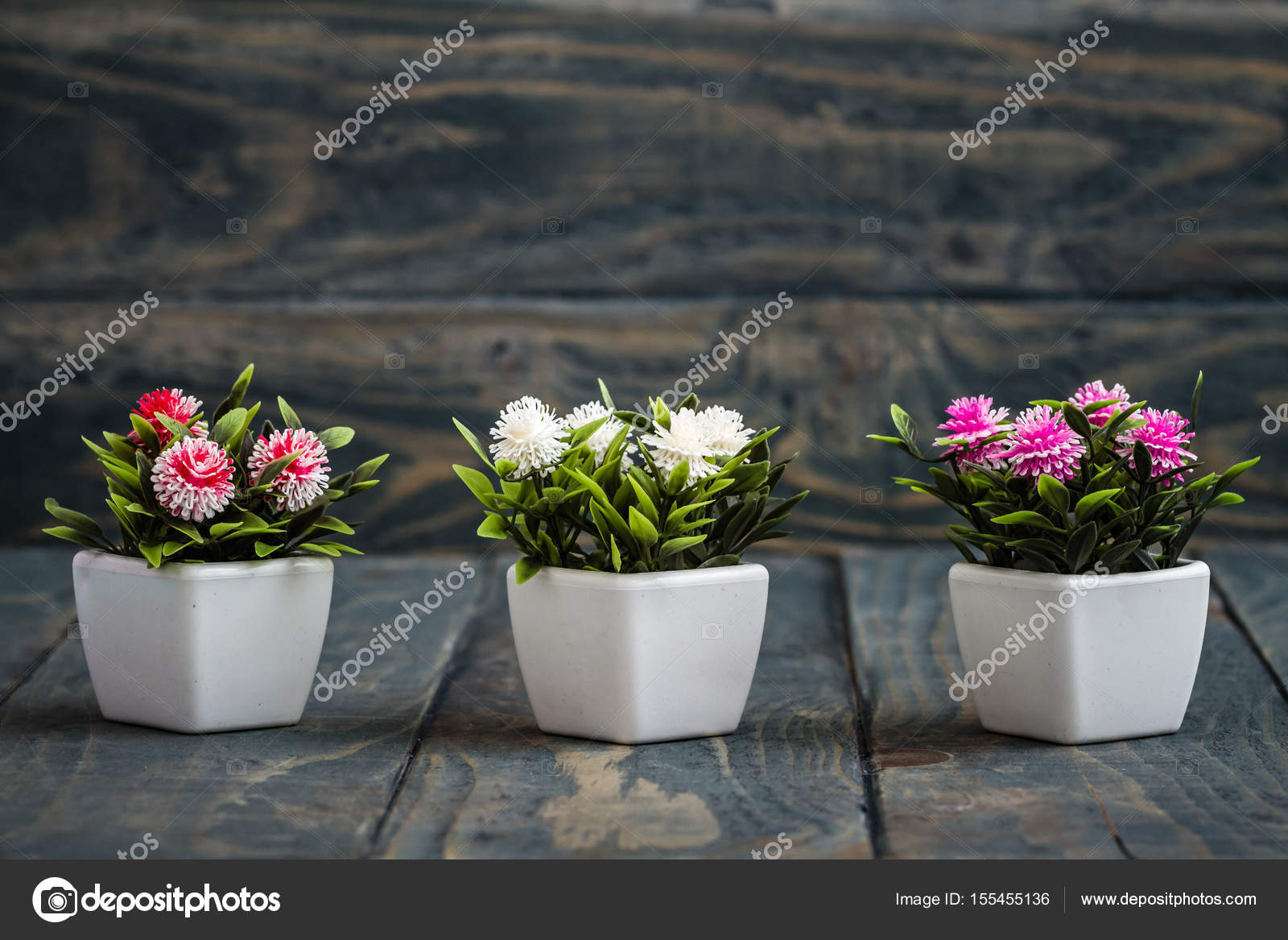 Gerani Artificiali Fiori Artificiali In Flowerpots Bianco Foto Stock Hskoken