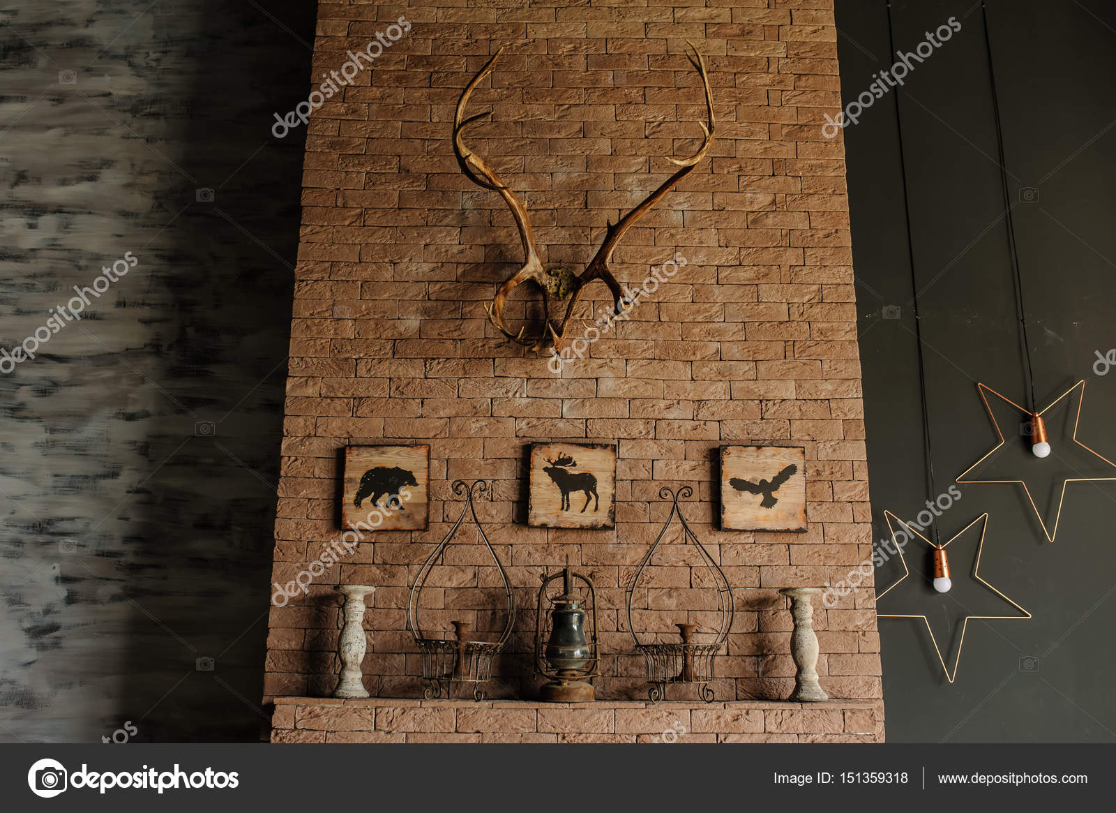 Hirschgeweih Wand Old Bricks Wall With Deer Antlers Stock Photo Med Photo Studio
