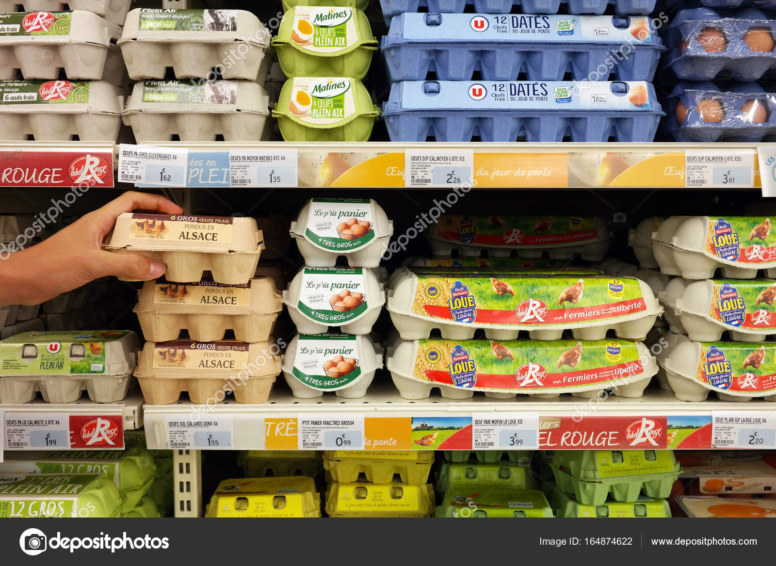 Store En Stock Eggs In A Store Stock Editorial Photo Defotoberg 164874622