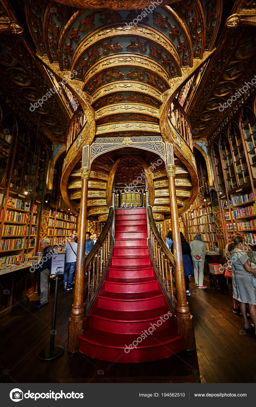 Librería Lello E Irmao Porto Portugal April 2018 Livraria Lello Irmao Second Oldest