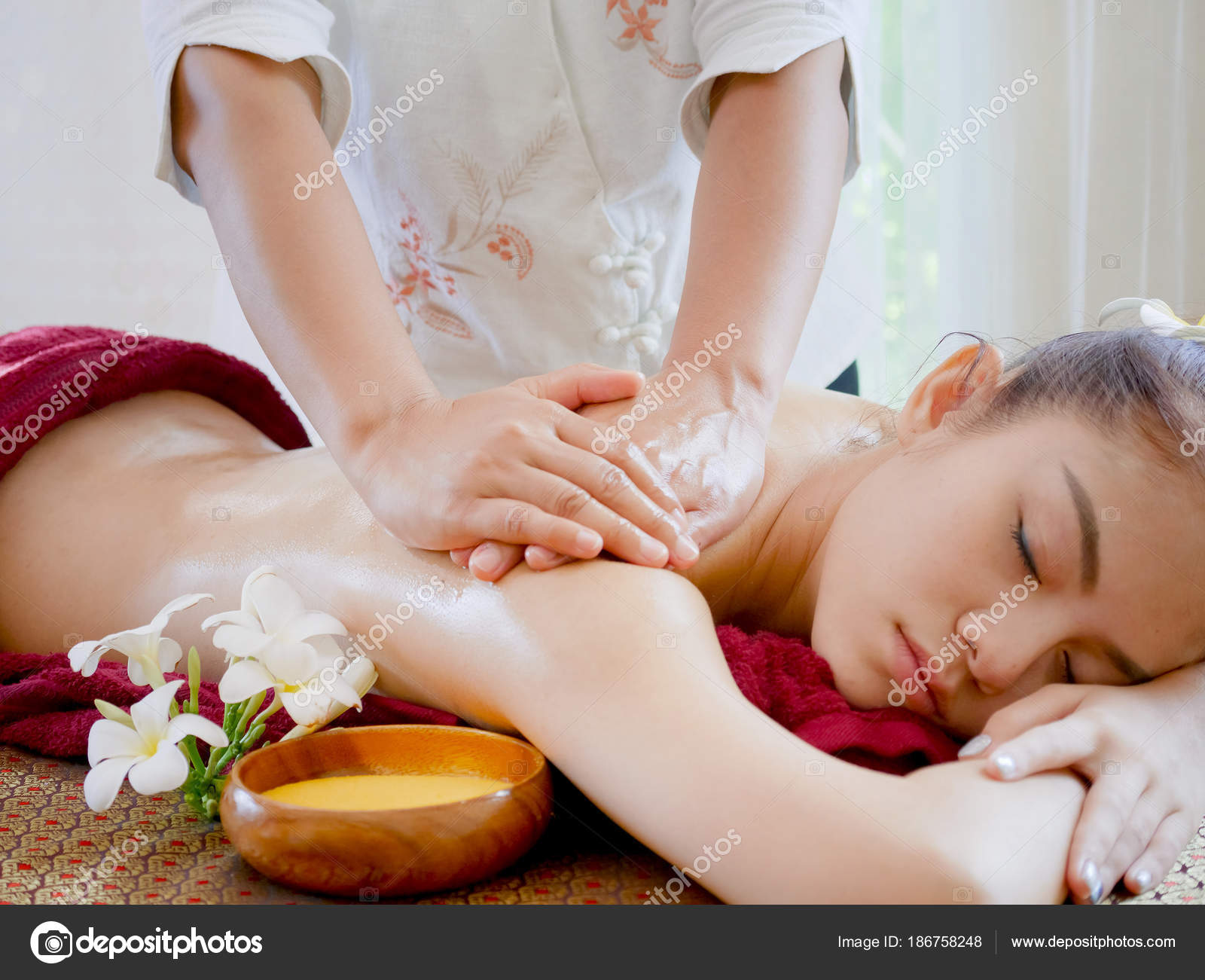 Salon Massage Body Body Woman Having Spa Body Massage Treatment Spa Salon Massage