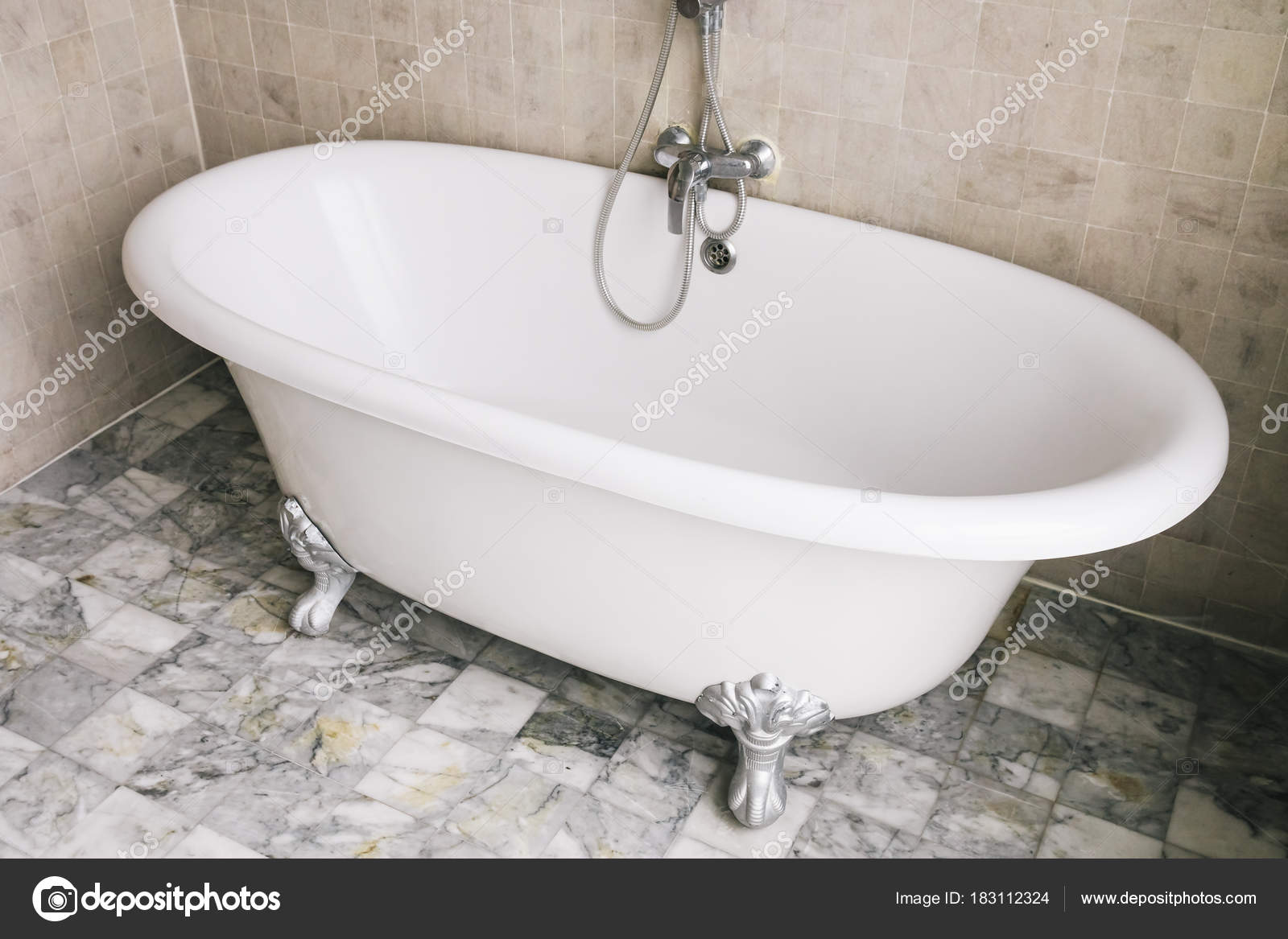 Bad in badkamer verzonken bad badkamer