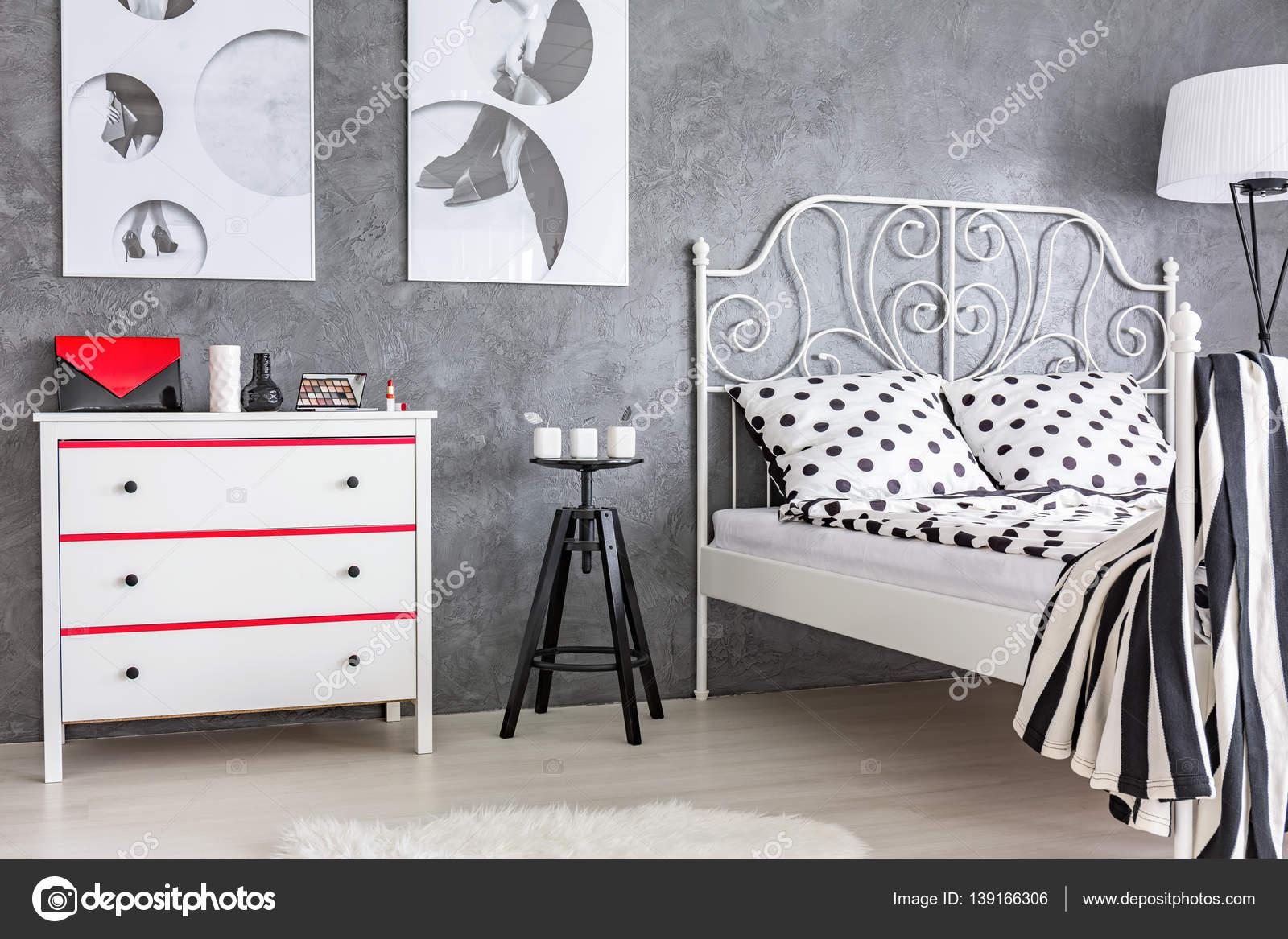 Chambre Rouge Et Grise Ado | Chambre Gris Rouge Peinture Chambre ...