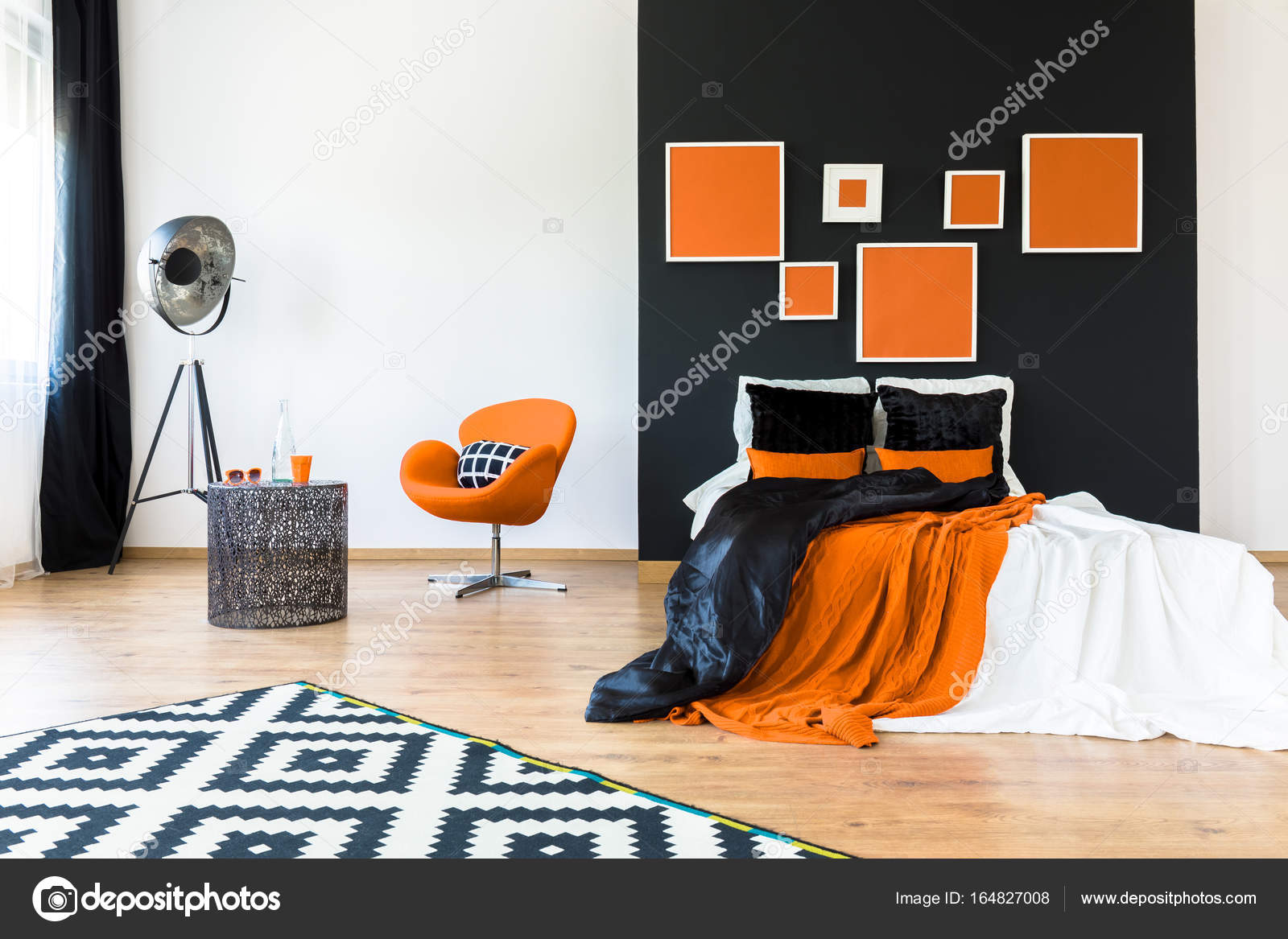 Schlafzimmer Orange Orange Sessel Im Retro Schlafzimmer Stockfoto Photographee Eu