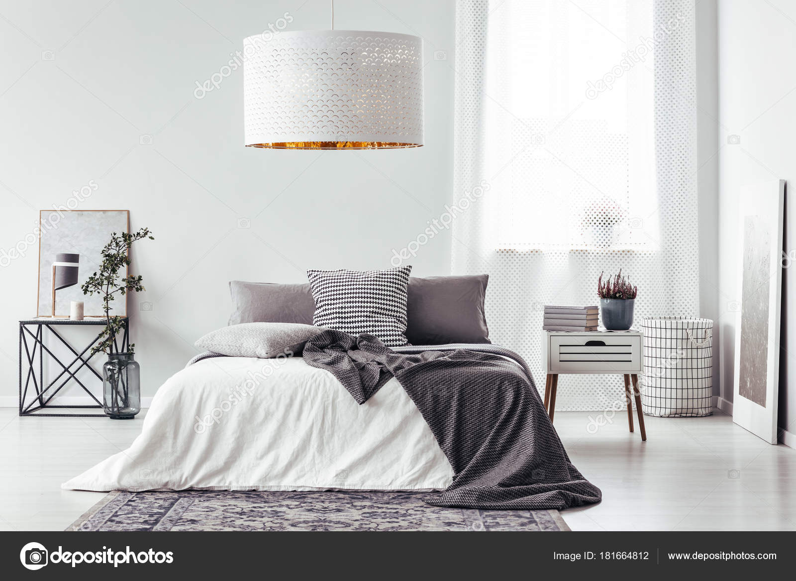 Lamp Boven Bed Witte Lamp Boven Bed Stockfoto Photographee Eu 181664812