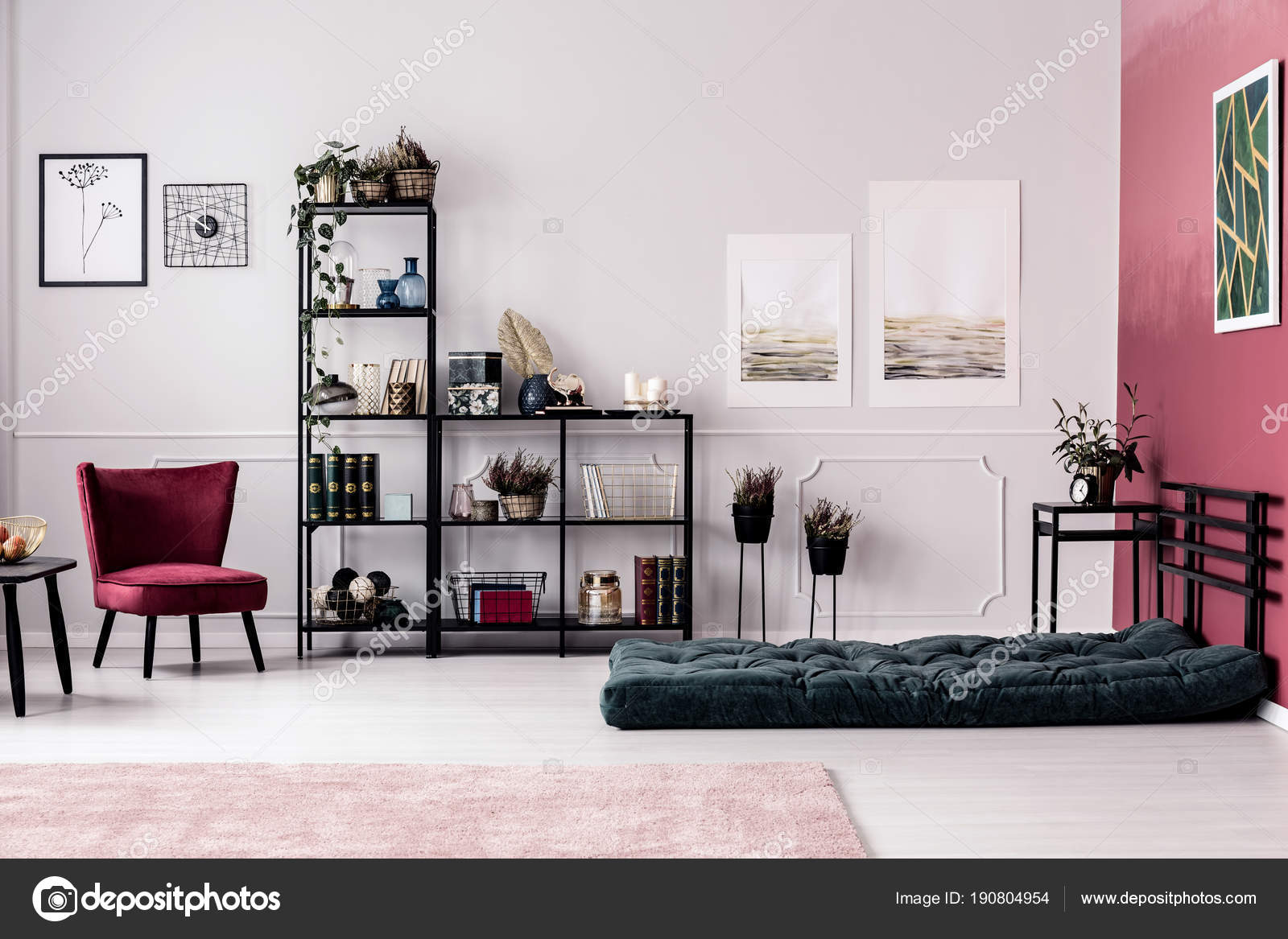 Planten Rek Rek Met Planten En Decoraties Stockfoto Photographee Eu 190804954