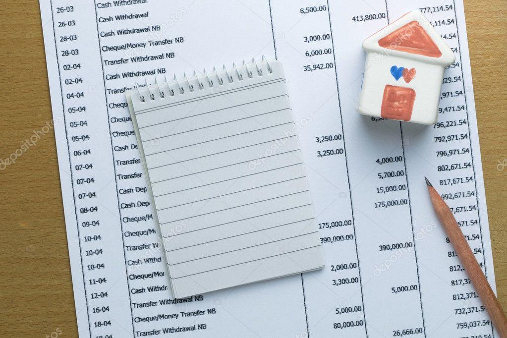 Presupuesto mensual de planificación de finanzas concepto casa