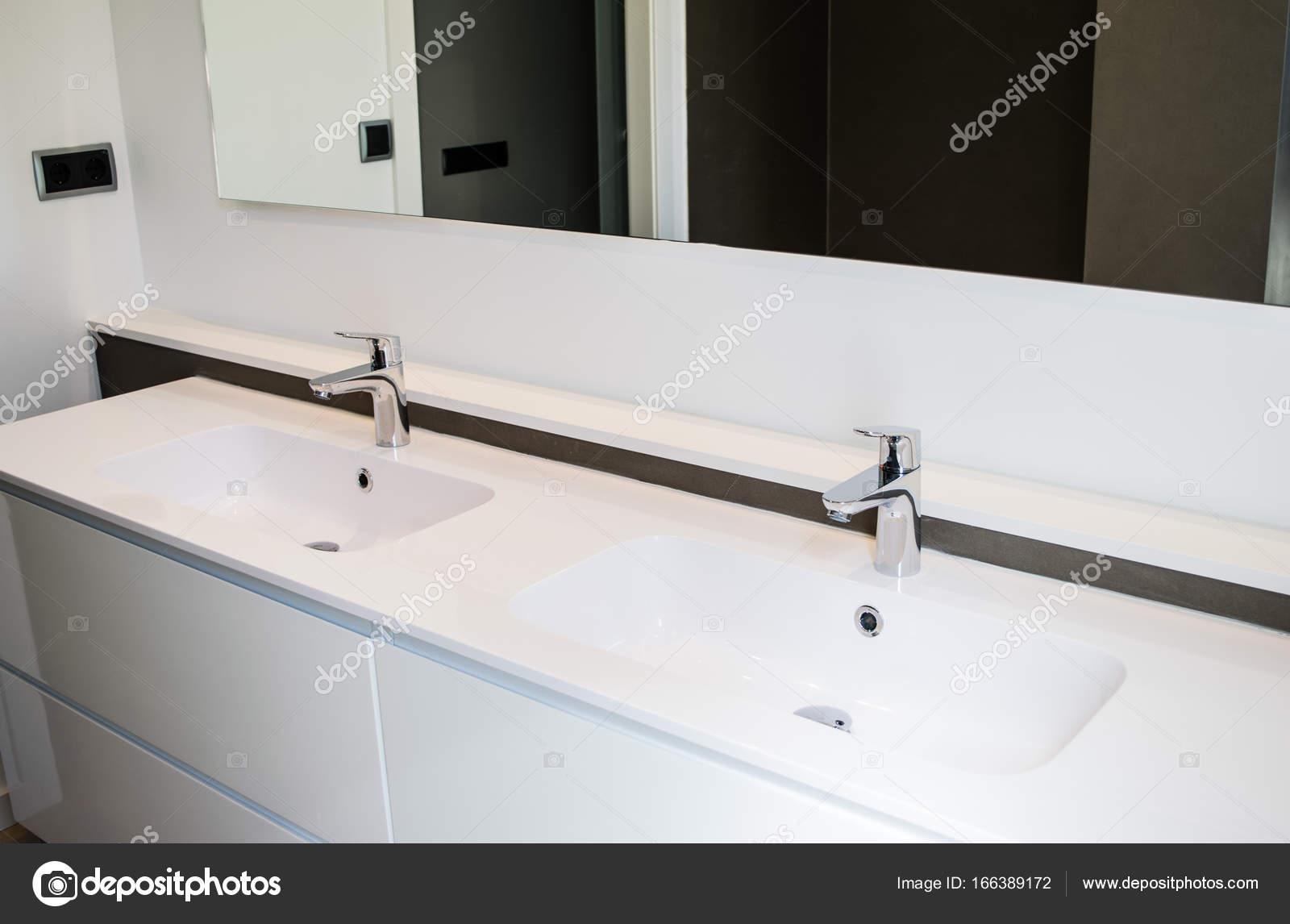 Witte Badkamer Wastafel : Wastafels badkamer keukenkast met wasbak beste hoogte wastafel