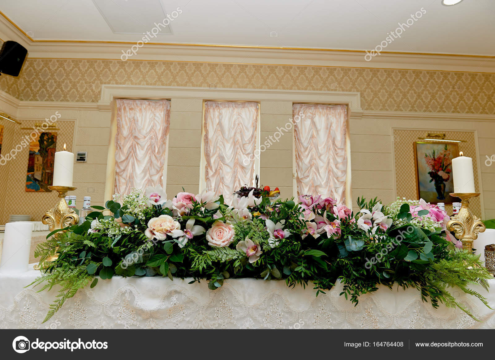 Palette Decoration Wedding Table Decoration Newlyweds Songs On The Table Of Flowers