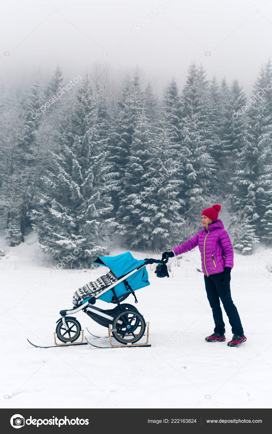 Mountain Buggy Zum Joggen Mother Baby Stroller Enjoying Motherhood Winter Forest
