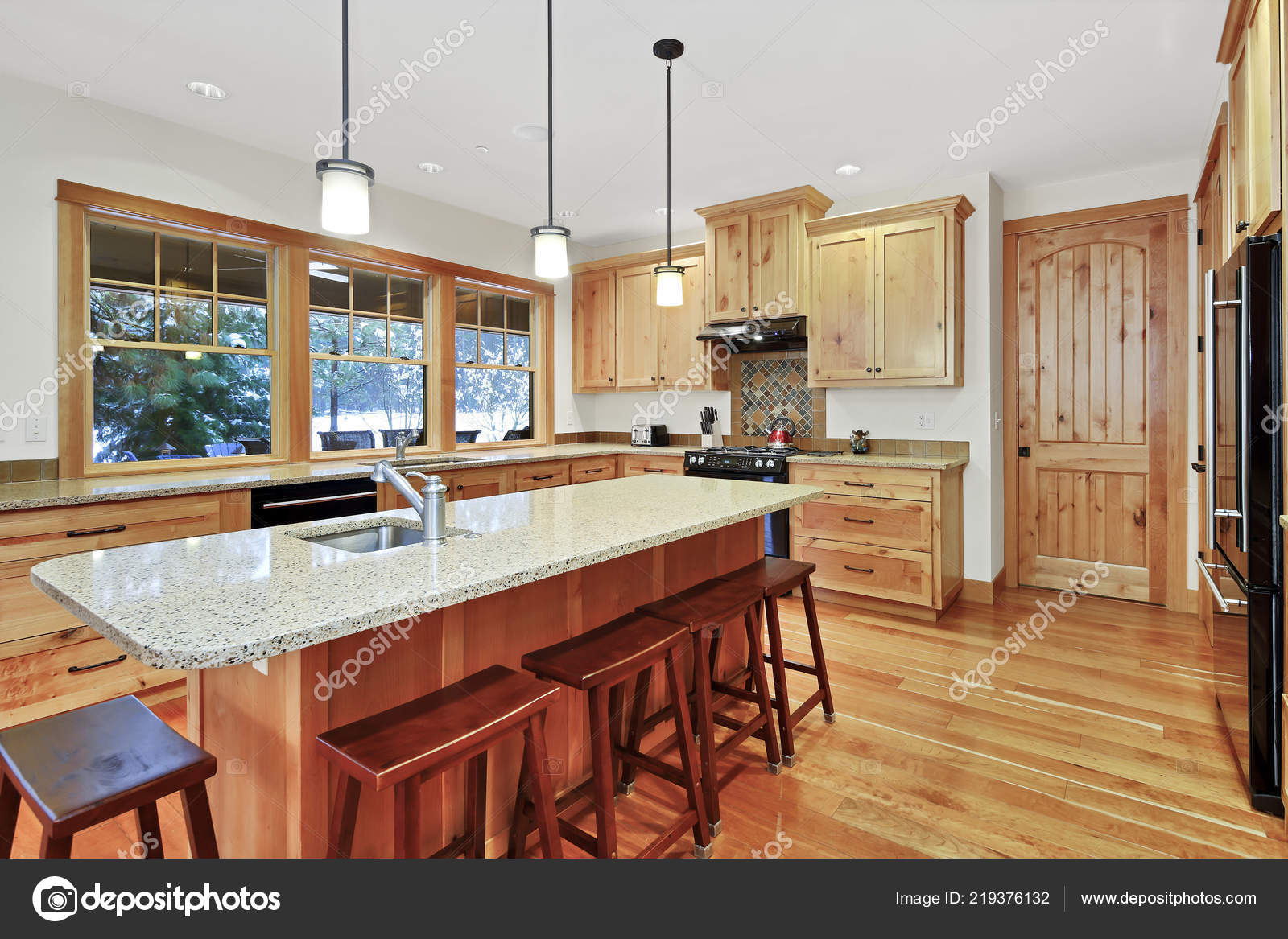 Pictures Granite Countertops With Oak Cabinets